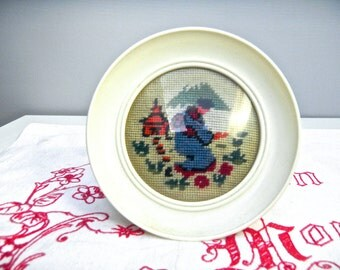 Oriental Needepoint Picture in Round 1950s Frame - Cream Frame, 1950s Needlepoint Picture