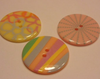 3 LARGE spring color buttons, 34 mm (B8)