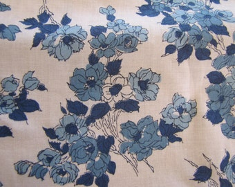 Vintage Blue Floral Cotton Fabric, 60s, 70s, Fabric, Big Piece of Fabric, Blue and White, Floral, Vintage Fabric