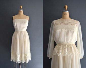 SALE 70s lace dress / 1970s wedding dress