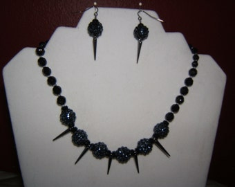 Black Spiked Necklace Set