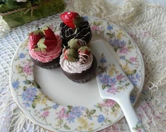 So Lovely Cake Plate and Server by Andrea for Sadek, Karen Pattern, made in Japan