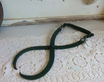 Vintage Green Wood Tongs Metal Rustic Primitive  B673