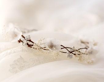 white flower crown, bridal crown, wedding circlet, ivory bridal hair piece, flower hair wreath, floral crown, bridal headpiece white circlet