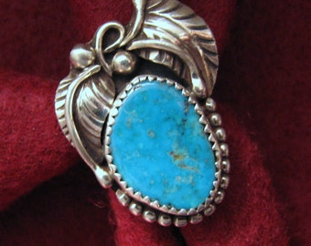 Vintage NAVAJO Augustine Largo TURQUOISE and Sterling Silver FEATHER Ring -- 8.1 Grams, Size 6-3/4, Gorgeous Color and Detail