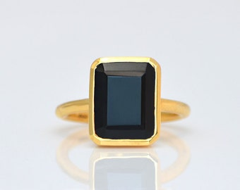 Statement Black Onyx Ring - Gemstone Ring - Stacking Ring - Gold Ring - rectangle Ring, bezel Set Ring, Birthstone ring, Christmas gift
