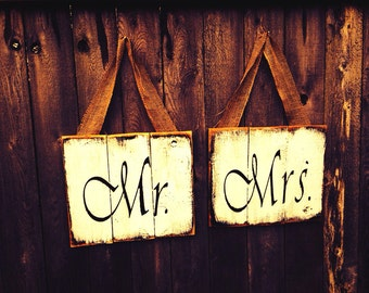 Large rustic Mr and Mrs wedding signs