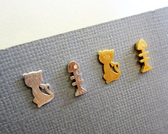 Tiny Cat earrings, cat and fish bone sutds earrings, gold and silver dainty earrings, studs earring, silver post earring