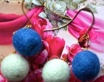 Felt Balls Earrings - Alice and Deep