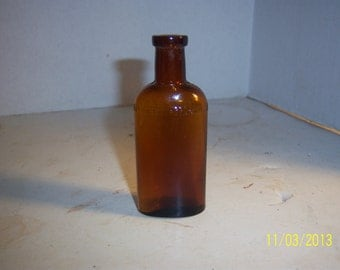 1890's Hance Brothers & White Philadelphia, Pa 3 3/4 inch   medicine bottle