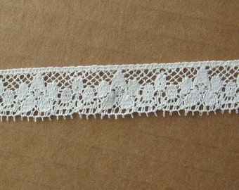 """4 yards ivory lace trim 5/8"""" wide"""