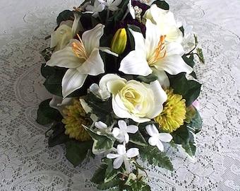 Table Flowers Floral Arrangements Centerpieces Flower Arrangement Dining Room Table Centre Center Buffet Bridal Breakfast Decorations