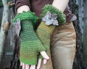Green Pixie Flowered Fingerless Gloves