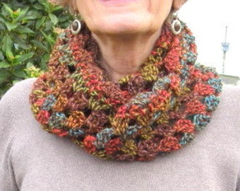 Cowl scarf.  Crochet, cosy cowl in warm colours. Unique. Ideal gift.