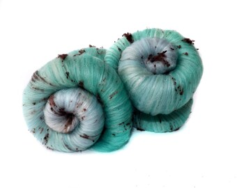 Textured spinning batts - 100g - 3.5oz - Merino wool - Tussah silk - Noil - SPECKLED EGG