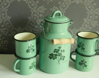 Vintage Green / Teal / Turquois Enamel Set - Industrial Milk Jug and 4 cups - Retro Set - Vintage Kitchen - Utensils holder