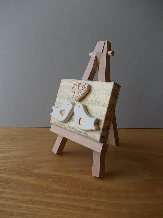 Art Easel Cake Topper : Ceramic LOVE Birds with Heart / Cake Topper with Easel / Home
