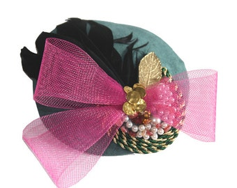 Small hat fascinator color moss green