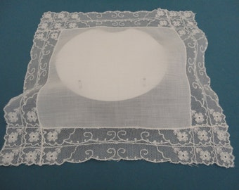 Vintage Ivory Hankie/Handkerchief/Hanky with Flower Lace Borders - Bridal/Wedding Keepsake