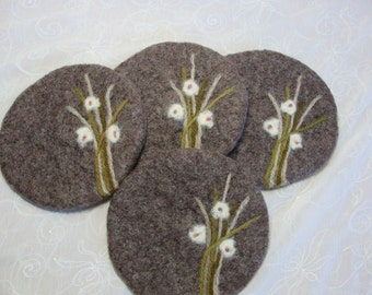 Wool Felted Fawn Color Coasters with Needle Felted Design~Handmade Wool Coasters~Wool Felt Coasters~Needle Feled Coasters