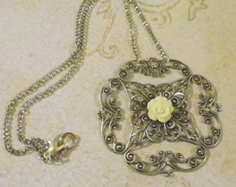 Filigree With Rose Cabochon Necklace