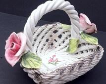 lampadario capodimonte : Vintage Capodimonte Italy Woven Glass Ceramic Basket with Pink Roses ...