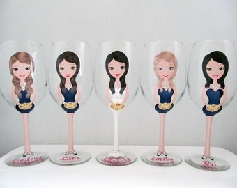 Personalized Wine Glasses, Bridesmaid Wine Glasses, Bridesamaid Champagne Glasses, Wedding Glasses, Flower girl glasses, bridal  glasses
