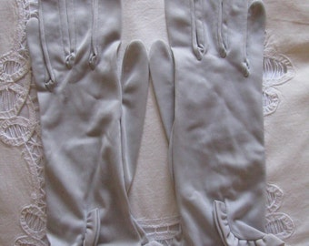 Vintage grey ruffled short gloves
