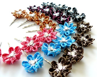 Kanzashi fabric flowers. Small flower bobby pins. Girls hair pins. PICK THE COLOR. Hair pins with kanzashi flower.