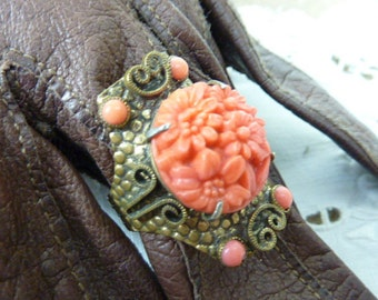 ARTS and CRAFTS SIGNED Nemco vintage coral flower brass and glass ring