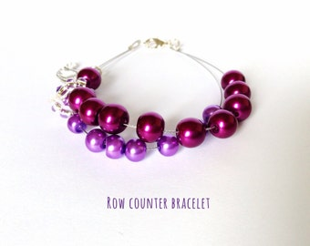 Row counter bracelet with bird charm for knitting and crochet, knitting bracelet, knitter's bracelet, abacus bracelet with purple glass bead