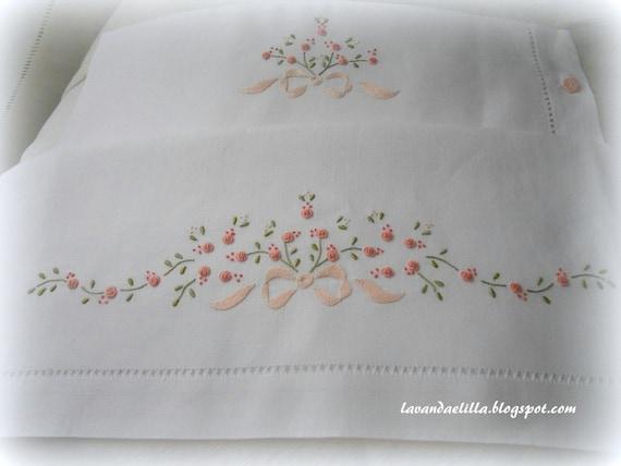 Favoloso disegni e schemi per lenzuolino sacca e bavaglino da cucire e ER92