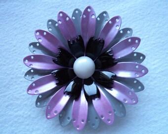 Vintage Unsigned  Enamel Purple/Grey Flower Brooch/Pin