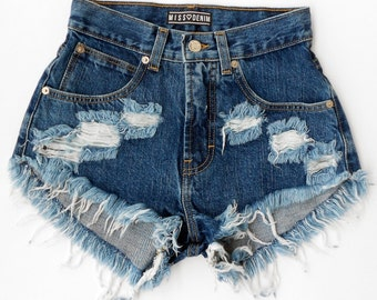 Minimal Navy MISSDENIM Shorts Highwaisted Cutoffs Studded Ripped Frayed