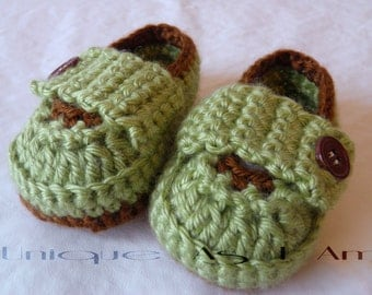 Crocheted Baby Loafers with Button Flap