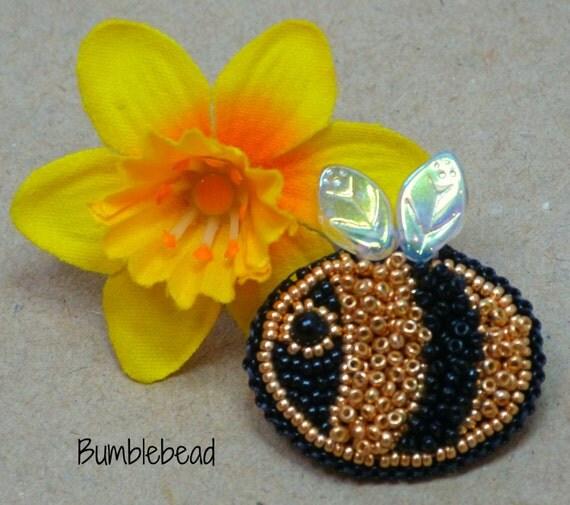 KIT: Little Bee Bead Embroidered Brooch Kit & Tutorial