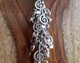 "the ""treble clef"" keychain"