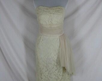 1950s 1960s Designer Ferman O'Grady Pale Pink Vintage BOMBSHELL Strapless Lace Wedding Party Dress W30