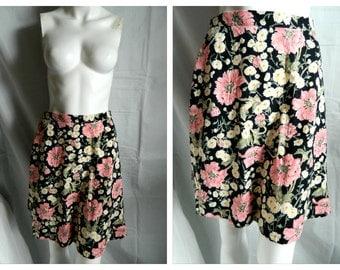 50% off Vintage 80's - 90's Floral Mini Above Knee Skirt Size Medium - Large