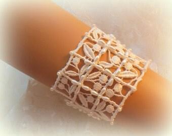 7.6 inch -  Ivory Lace Bridal Bracelet / Wedding Lace Bracelet / Bridal Wrist Cuff / Bridesmaid Bracelet