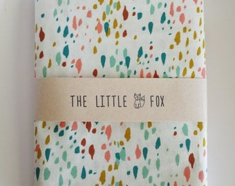 SALE - STOKKE MINI Cot Crib Fitted Sheet in Paint Drops