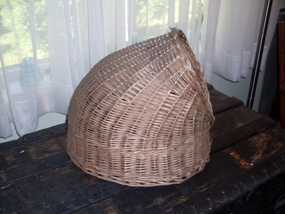 Vintage Beehive Shaped Wicker Cat Bed Pet Bed By