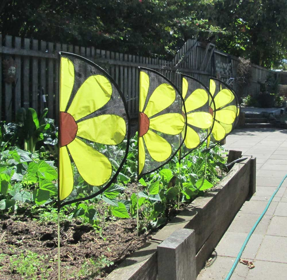 Mini Daisy Flags Or Pennant Type Garden Banners And By Jolarts
