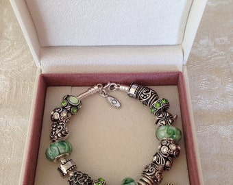Beautiful Authentic Pandora Bracelet With Lucky Green Clover