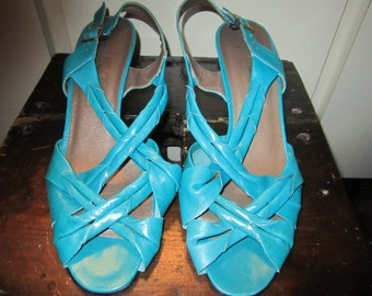 NWOB Vtg. Amalfi Turquoise Sling Back Heels Size 8.5 M. Made In Italy