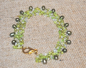 Green and Pearl Beadwoven Bracelet