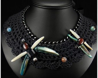 Dragonfly Collar Crochet Necklace.