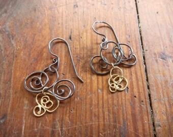 Scribble Earrings with 18kt Drop