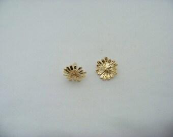 14 KT Gold Plated Zircon Flower Post Earrings  Finds2/3131