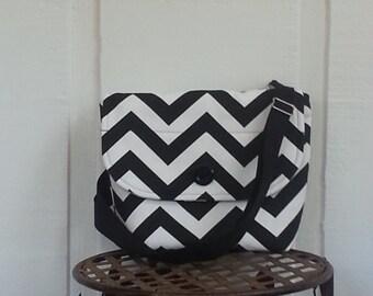 Attractive, stylish messenger bag